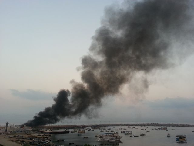 Explosions sur la criée du port de Gaza