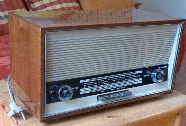 Le poste de radio Telefunken de 1965