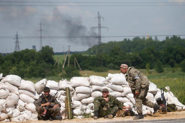 Les séparatistes pro-russes font face à l'avancée des troupes ukrainiennes à Donetsk