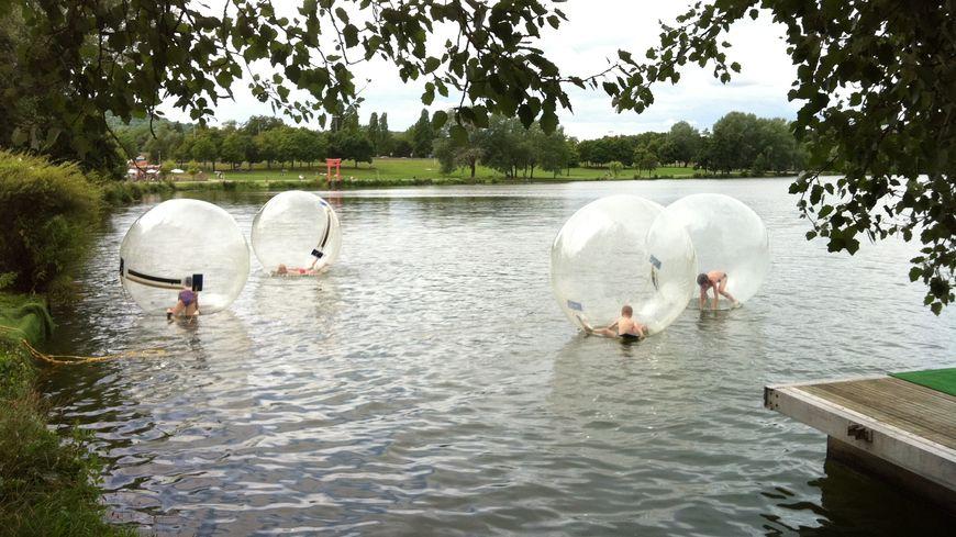 Les bulles ont ravi les enfants pour l'ouverture de Metz-plage