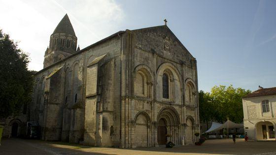 L'abbatiale de Saintes (©Guillaume Decalf)