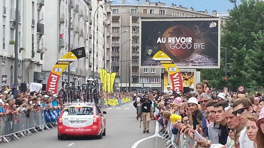 """Grenoble disait """"au revoir"""" au Tour de France ce samedi."""