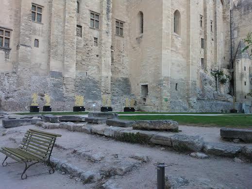 Clantier de restauration du jardin sous le Palais des Papes