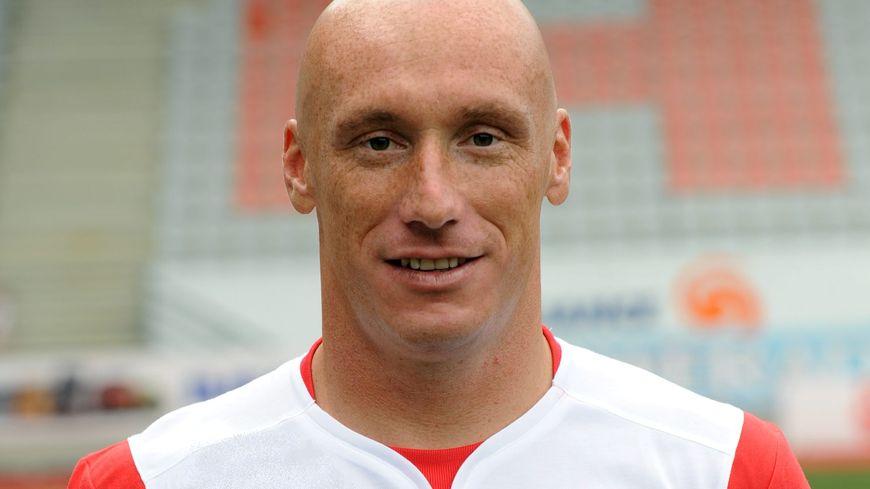Sébastien Puygrenier, le capitaine et défenseur de l'AJA.