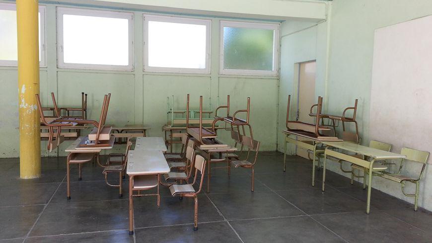 Les bancs de Hargarten-aux-Mines ont progressivement quitté le préau de l'école du village