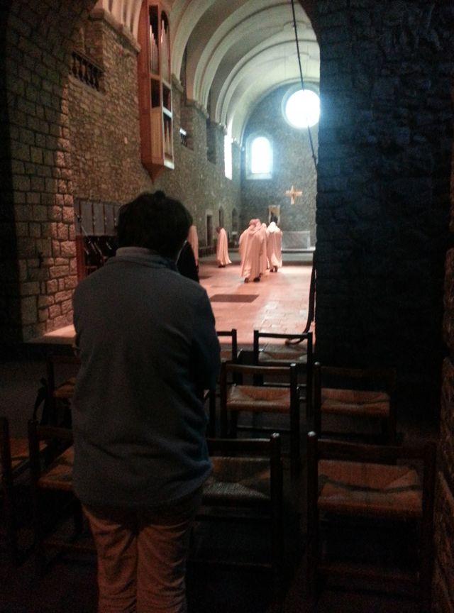 Prière à l'Abbaye de Tamié