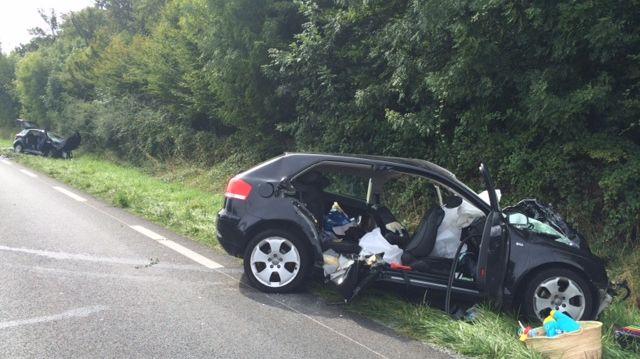 Le choc sur la N147 entre les deux voitures a été très violent.