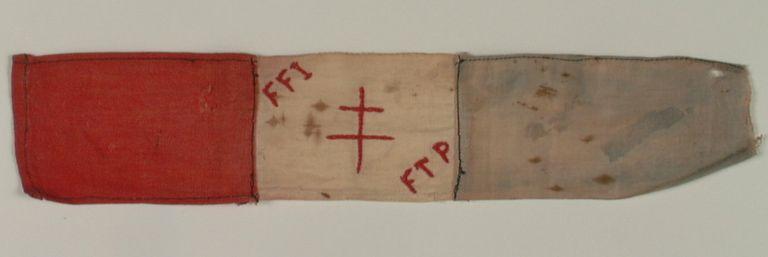 Le brassard des FFI FTP, août 1944.