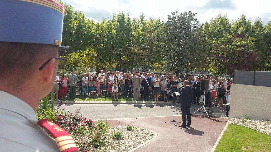 Une soixantaine de personnes sont venues commémorer les bombardements du 15 août 1944 sur Guilherand Granges.