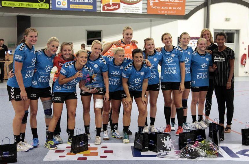 Les Danoises de Holstebro remportent la 3ème Panthera Cup.