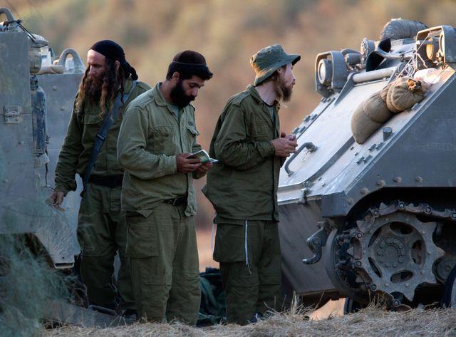 Soldats Israëliens prient à Gaza