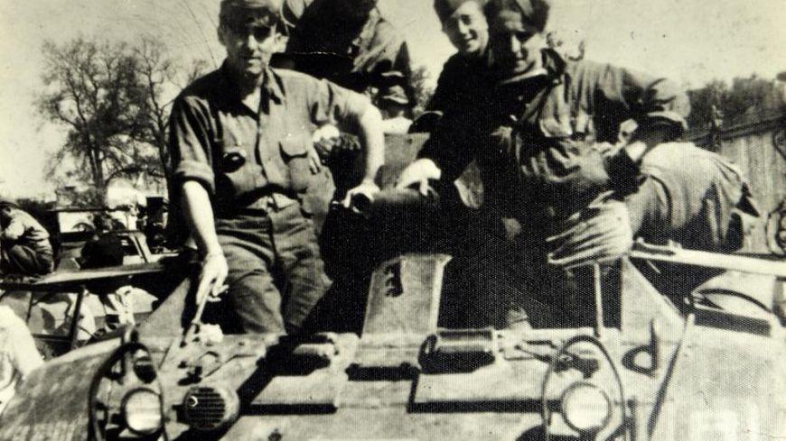 Combattants en août 1944 lors de la libération à la fin de la Seconde Guerre mondiale.