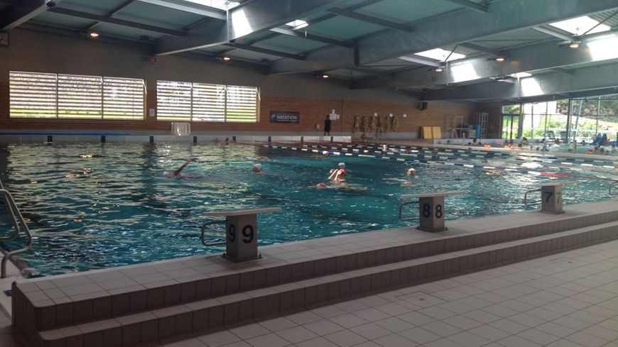 L 39 quipe de france de natation synchronis e s 39 entra ne au for Piscine la vague