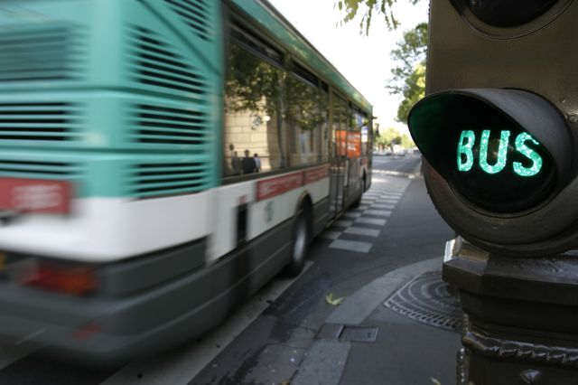 Selon les syndicats, c'est la première fois que des bus de la RATP seront conduits par des intérimaires.