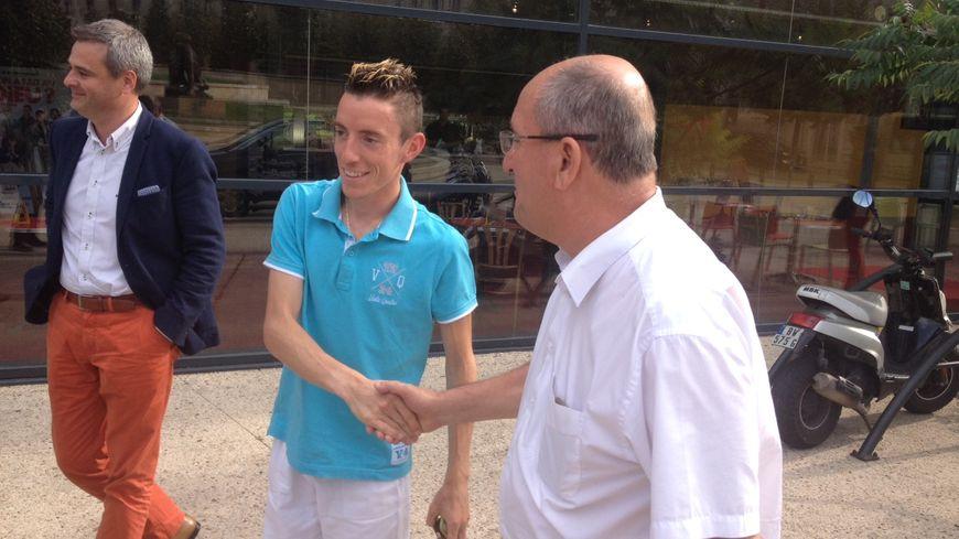 Yoann Kowal accueilli à Périgueux par Jacques Auzou le maire de Boulazac