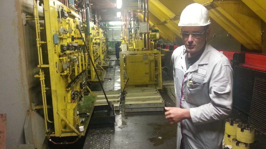 Emboutissage usine PSA Sochaux : Christophe Josselin, responsable de la maintenance (emboutissage)
