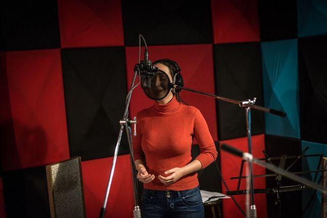 Les femmes n'ont pas le droit de chanter devant un public mixte, ni d'enregistrer leur voix. Shaghayegh, 29 ans, chanteuse profe