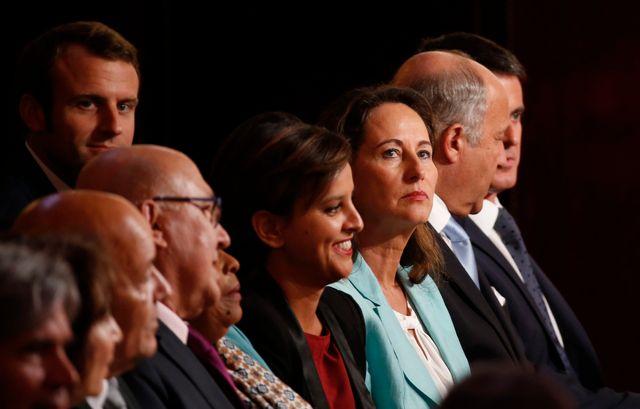 Le gouvernement au complet pendant la conférence presse de François Hollande