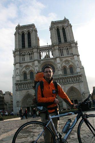 Départ de Notre-Dame de Paris
