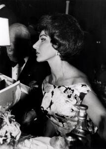 Maria Callas de profil
