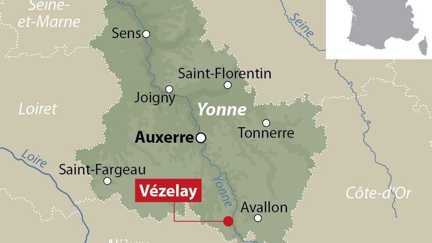 Vezelay France Map.Un Desequilibre Arrete A Vezelay Apres Avoir Tire Sur Deux Lyceens