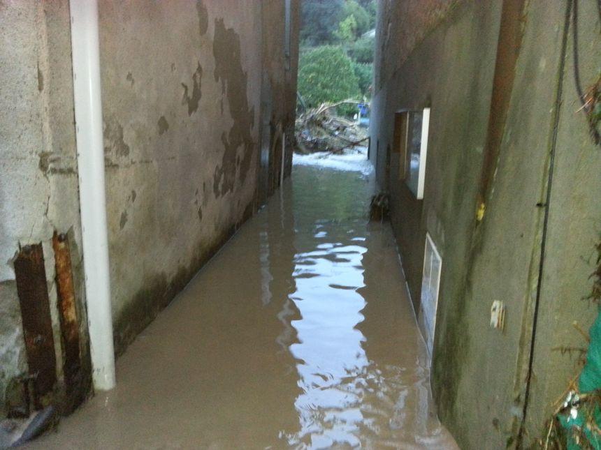 Saint-Laurent-le-Minier sous les eaux
