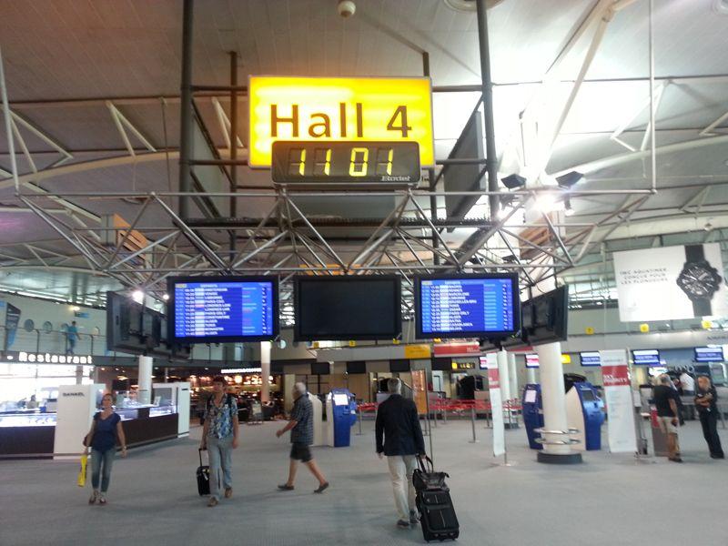Hall 4 de l'aéroport Marseille Provence