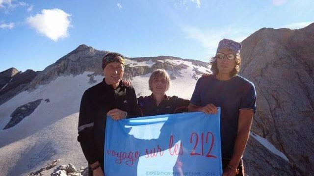 Romain Da Fonseca et deux amis au sommet du Petit Vignemale