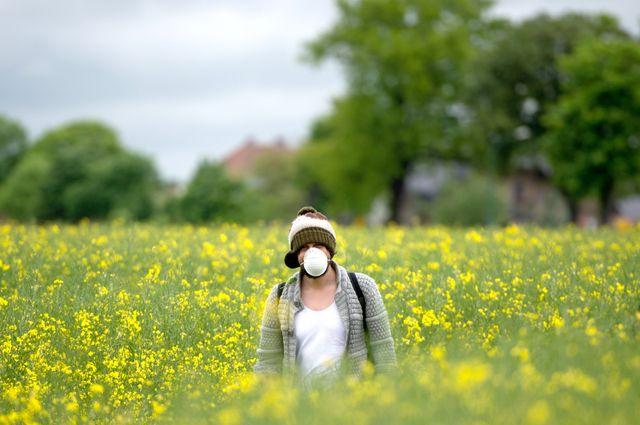 Un activiste allemand dans un champ près de FahrLand