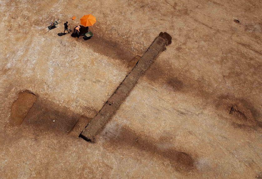 Longs tertre funéraires de Fleury-sur-Orne daté du Néolithique (4500 avant notre ère) et actuellement fouillés