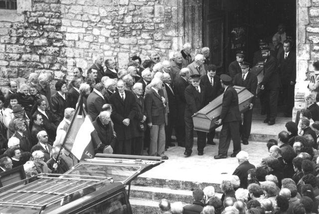 16 janvie1993 - Obsèques de la famille de Jean-Claude Romand qui a tué sa femme, ses 2 enfants et ses parents