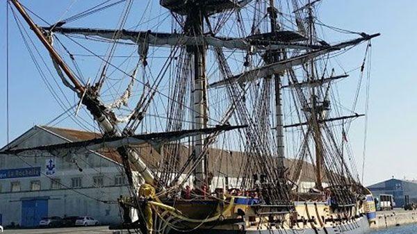 L'Hermione bloquée au port de La Rochelle