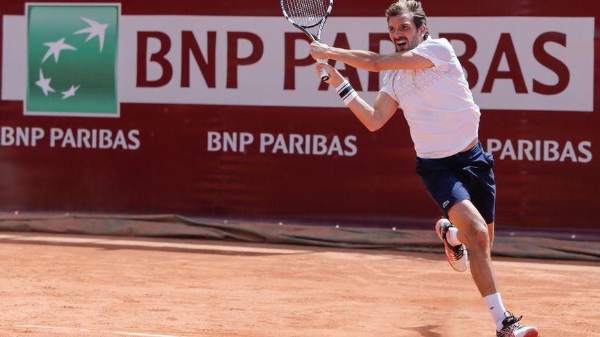 Le Français Julien Benneteau remporte l'édition 2014 du tournoi Primrose.