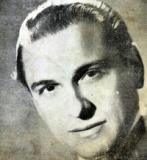 Portrait Romeo Gavioli . Musicien Tango. Pas bonne dimension
