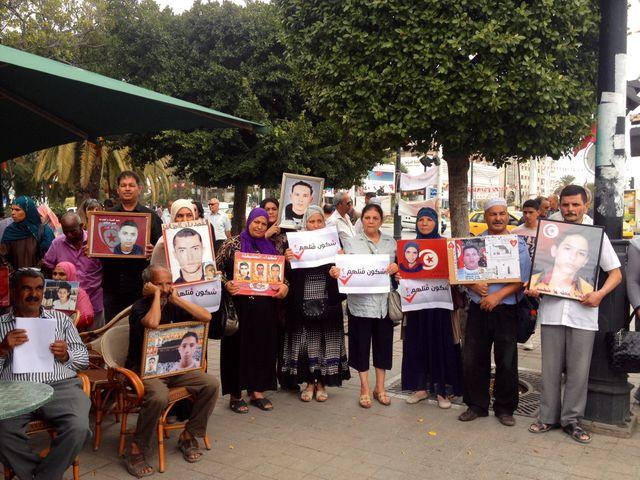 MANIFESTATION DE FAMILLES DES MARTYRS DE LA REVOLUTIONS, QUI DEMANDENT JUSTICE