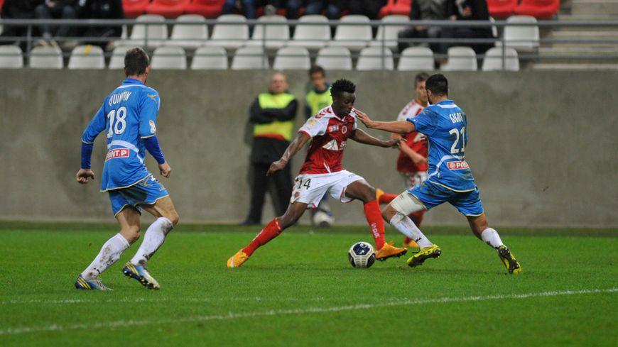 Les deux dernières frappes cadrées de Reims en Ligue 1, signées Benjamin Moukandjo, ont terminé au fond des filets (archive)