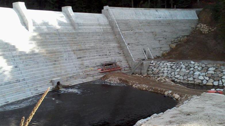 Le barrage des Plats, dans la Loire.