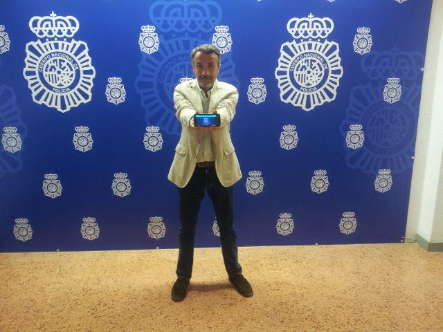 Policier espagnol - Twitter