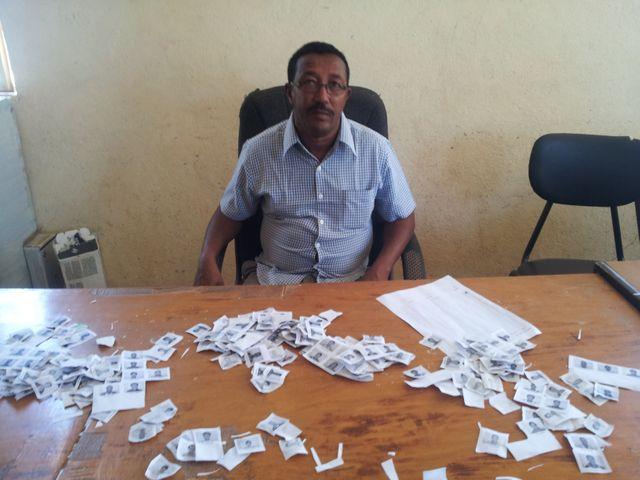 Maré, de l'ARRA, agence éthiopienne pour les réfugiés dans le centre d'enregistrement d'Endabaguna