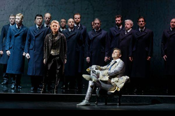 Julia Novikova (Oscar), Dmytro Popov (Riccardo), Choeur d'hommes du Capitole de Toulouse © Patrice Nin