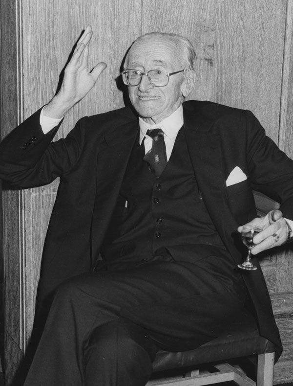 Friedrich Hayek à la London School of Economics and Political Science en 1981