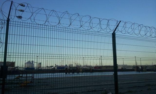 Le gouvernement britannique va débourser 15 millions d'euros pour renforcer la sécurité sur le port de Calais