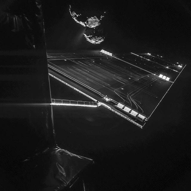 selfie de Rosetta à quelques kilomètres de la comète