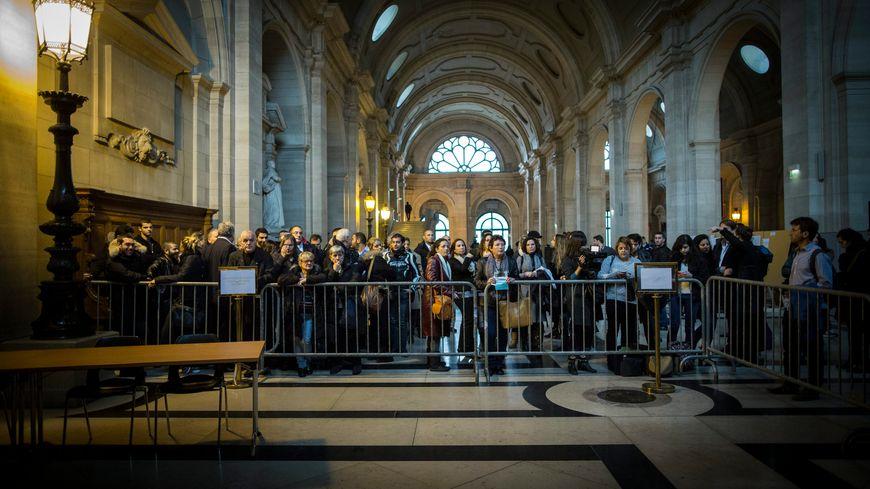 La foule était venue en masse pour assister au procès de l'affaire Zeitouni, jeudi à Paris