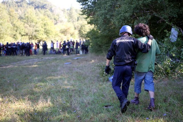 Intervention des gendarmes lors du déboisement autour de Sivens