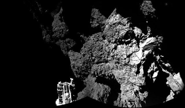 La première photo prise de Tchouri par les appareils de Philae