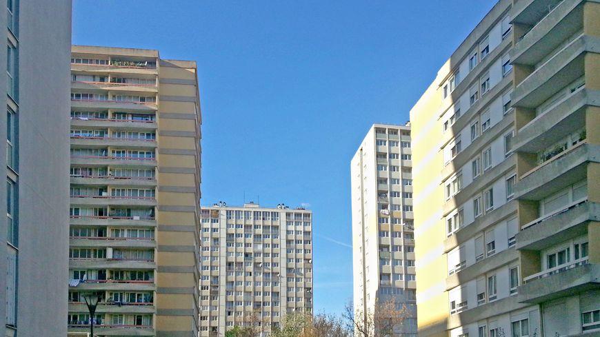 Hlm de seine saint denis des rapports accablants pour - Centre commercial porte d aubervilliers ...