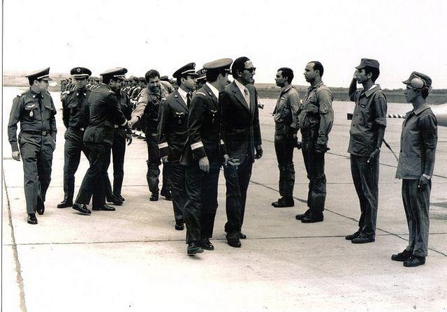 Général Mohamed Oufkir à La Base de Kénitra 1972