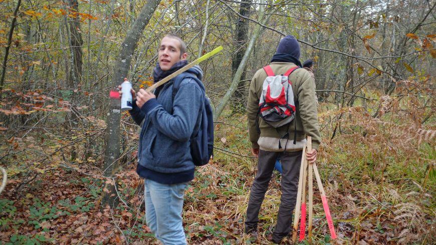 Zadistes en action sur le site de Center Parcs à Roybon, en Isère