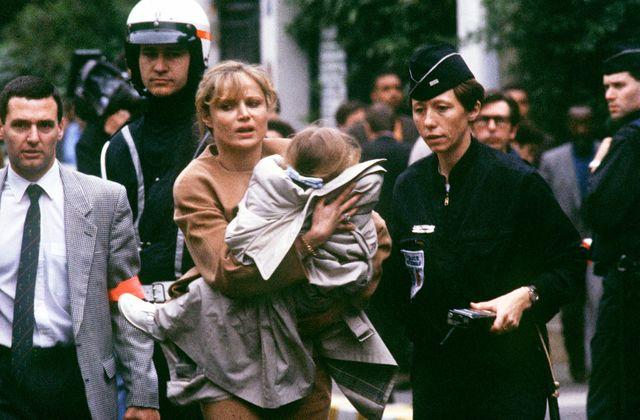 13 mai 1993 : la prise d'otages de la maternelle de Neuilly . Des enfants de maternelle pris en otage pendant 46 heures